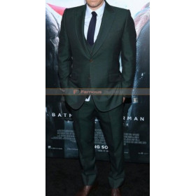 Batman v Superman Dawn of Justice Premiere Ben Affleck Suit